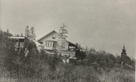 Mrs Whitehead and children on their property near Prospect Lake