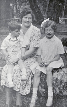 Winnifred Borden with her children