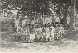 Cedar Hill School, grades 1 and 2, 1926