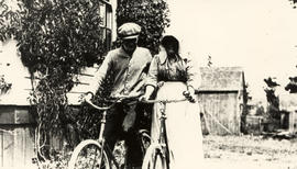 Alfred and Beatrice Hodgson on bicycles