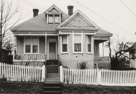 3226 Maple Street (built 1895)