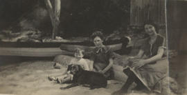 Dorothy Poulton and others on beach