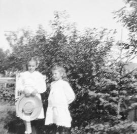 Alfred Estlin's daughters Mary and Dorothy in their garden
