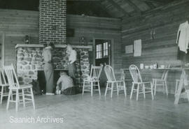 Interior of pickers bunkhouse at the Holloway Farm
