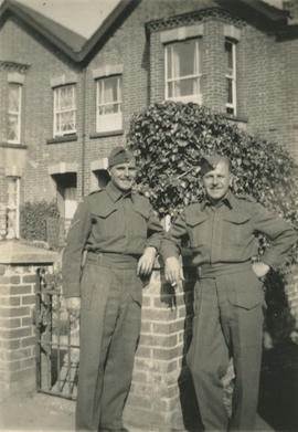 Leslie and Ernie Underwood in uniform