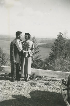 Murry and Sheila MacDonald on their honeymoon, Malahat Lookout