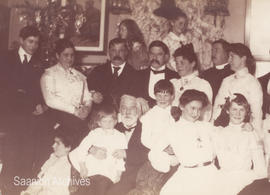 Dr. J.S. Helmcken with the Helmcken and McTavish families, Christmas, early 1900s
