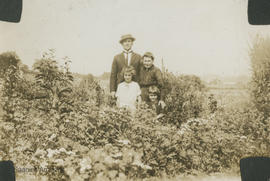 Charles Frederick, Emma, Barbara, and Jean Dawson at Rose Bank Farm