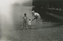 Leslie, Mena, and father Leslie H.P. Underwood at Cultus Lake
