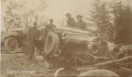 Automobile accident, Malahat, 1909