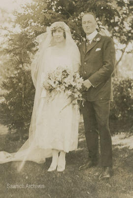 Anna Windsor Bradshaw and Robert Dimma Travis on their wedding day