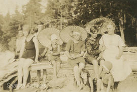 Bradshaw family at Beaver Creek, 1923