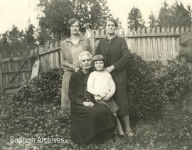 Marjorie Barker, Eliza Carrington, Phyllis Barker (Higginson), and Mary (Dolly) Gillie