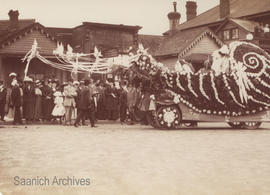Floats in the May Day Parade, 1900