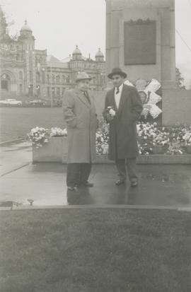 Vic and Leslie Underwood at the Cenotaph in Victoria