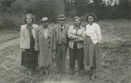 Jean Underwood, Alice and Ernest Brownlow Underwood, Emily Agnes (nee Burke) Underwood, and Laurr...