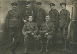 Group portrait of WWI soldiers
