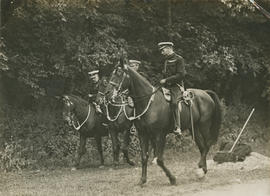 H.M. The King at the Army Manoeuvres at Little Abington