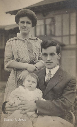 Bernice and Reginald Chave with baby Cyril