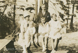 Mrs. Noakes, Claude [Lytton], Ethel and family at the summit of the Malahat