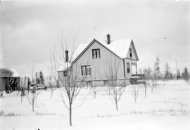 Aitkens family farmhouse on Tyndall Avenue in snow