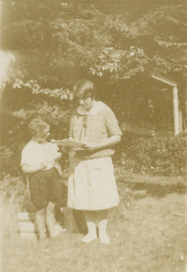 Lorna Grace Aitkens and Alice Maude Aitkens near McMorran's store, 1926