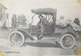 George McMorran and Model T automobile packed for hunting trip